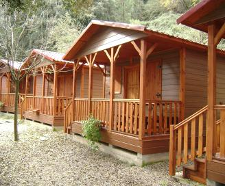 bungalow en bois et chalet en bois pr fabriqu. Black Bedroom Furniture Sets. Home Design Ideas